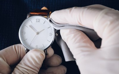 Uhr polieren